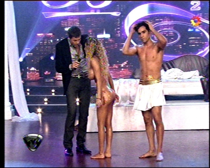 Pamela Anderson Erotic Striptease -